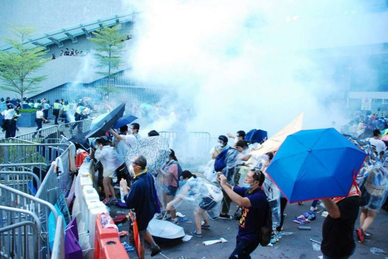 police tear gas admiralty hong kong democracy occupy universal suffrage umbrella movement