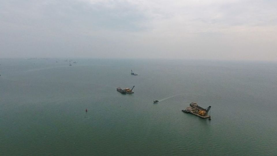 Qinzhou Hong Kong third runway marine sand