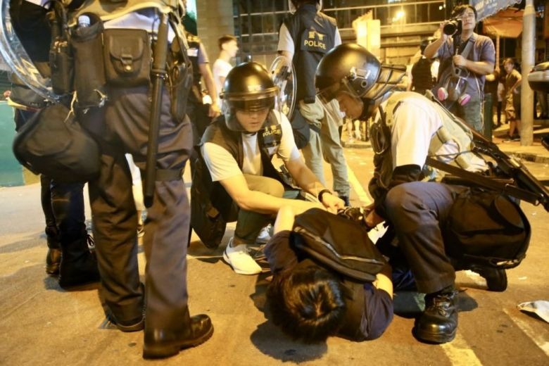 Sham Shui Po protest police anti-extradition law August 6