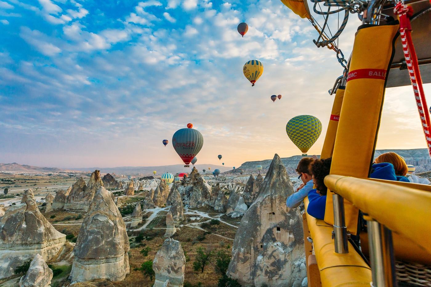 Tho-nhi-ky-tour-8-ngay-8-dem-balloon