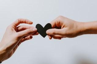 Einsamkeit trotz Partnerschaft schwarzes Herz
