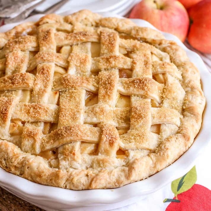 STYLECASTER | 17 Classic Pie Recipes That Deserve a Spot on Your Holiday Spread | Best Apple Pie