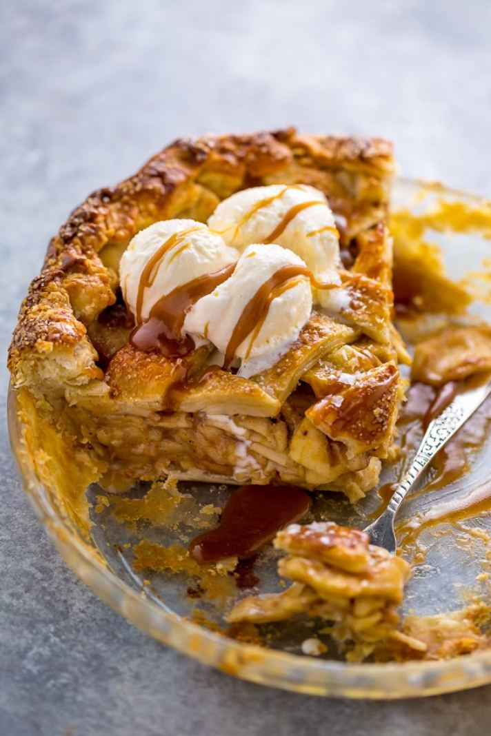 STYLECASTER | 17 Classic Pie Recipes That Deserve a Spot on Your Holiday Spread | Salted Caramel Apple Pie