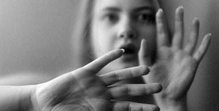 """زوج ينفصل عن زوجته بسبب تأييد الرئيس السيسي  """"سعاد"""" تنفصل عن زوجها بسبب السياسة: جوزي طلقني عشان إخواني 4764819991606289448"""