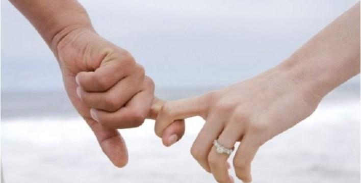 حكم اسلام الزوجة وبقاء زوجها على غير الاسلام  ما حكم إسلام الزوجة وبقاء زوجها على غير الإسلام؟ 483808671617832353