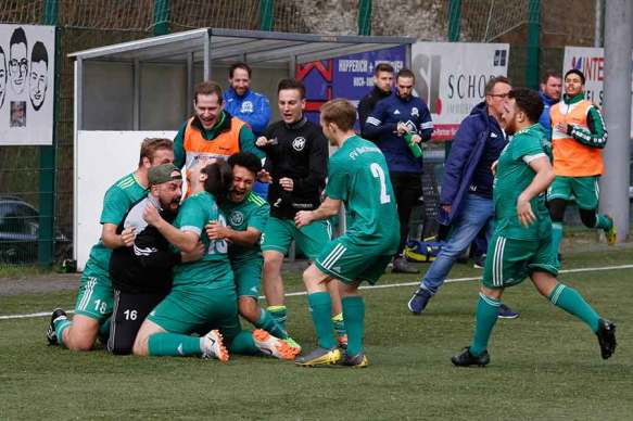 HFV2 Hertha Rheidt2 4 - HFV 2 besiegte Hertha Rheidt 2 in der letzten Spielminute