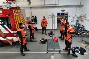 Persönliche Schutzausrüstung - Wasserrettung der Feuerwehr garantiert Sicherheit an und auf dem Rhein