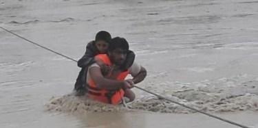 イランで3日で1年分の雨、イスラエルでは76年の豪雨記録を更新、死者も多数‐気候危機40