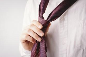 大学入学式のネクタイの結び方をご紹介! 裏技でもうまくいかない場合はコレ!