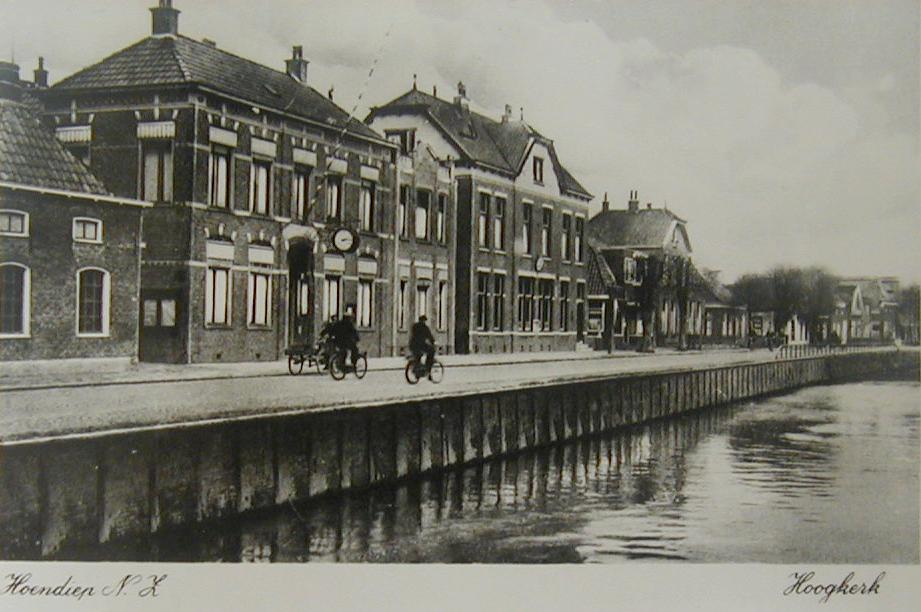 15_Gemeentehuis_en_Postkantoor