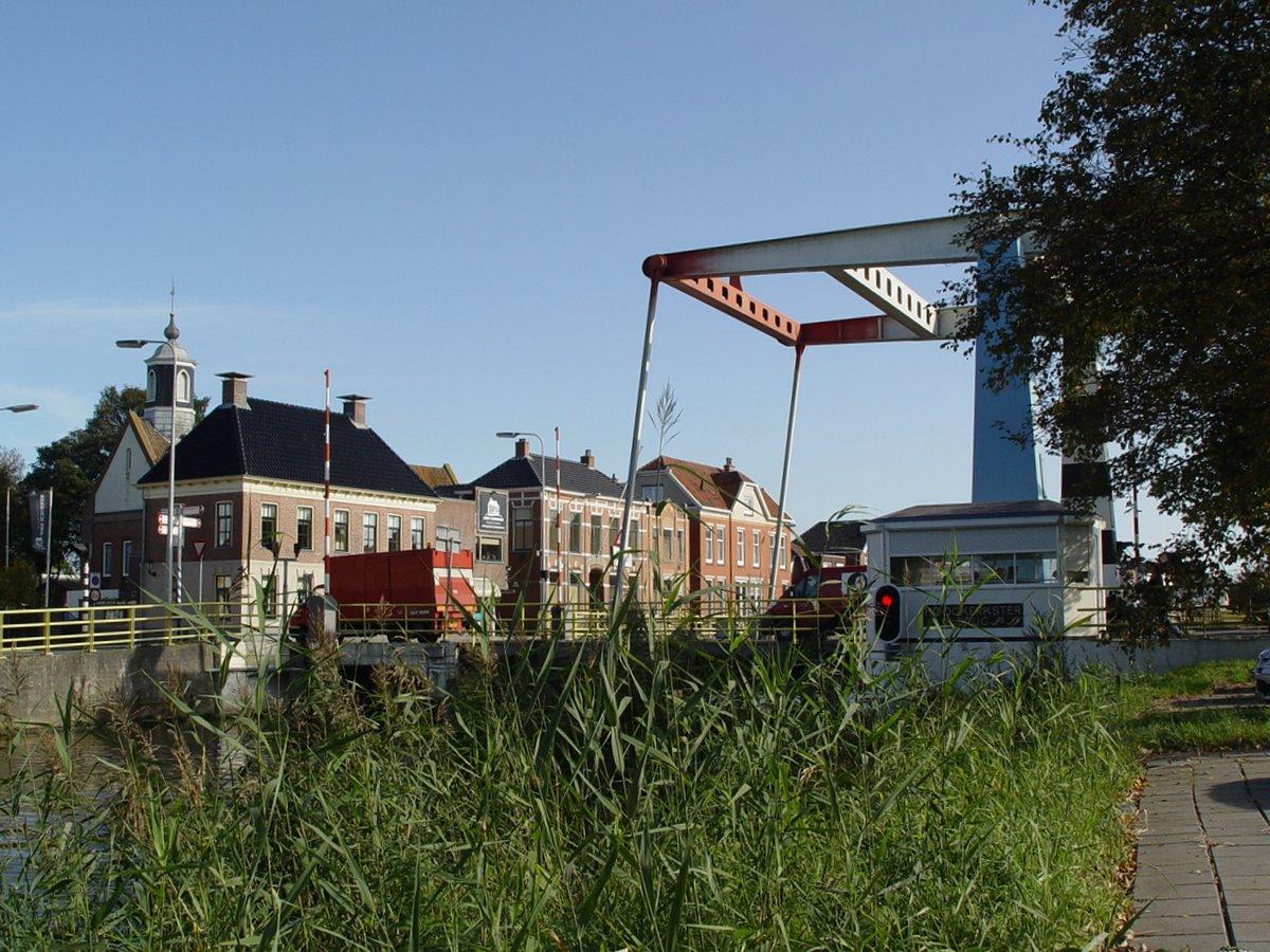 Hoogkerksterbrug/kruispunt Hoendiep met Kerkstraat/Zuiderweg