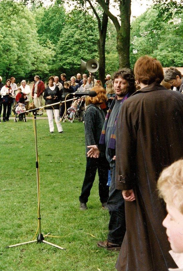 Fontein de Tweeling in gebruikname 2001 met Miki Djordjevic voor de microfoon