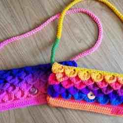 dragon scale clutch purse crochet pattern | romanian cord | icord | Hooked by Kati