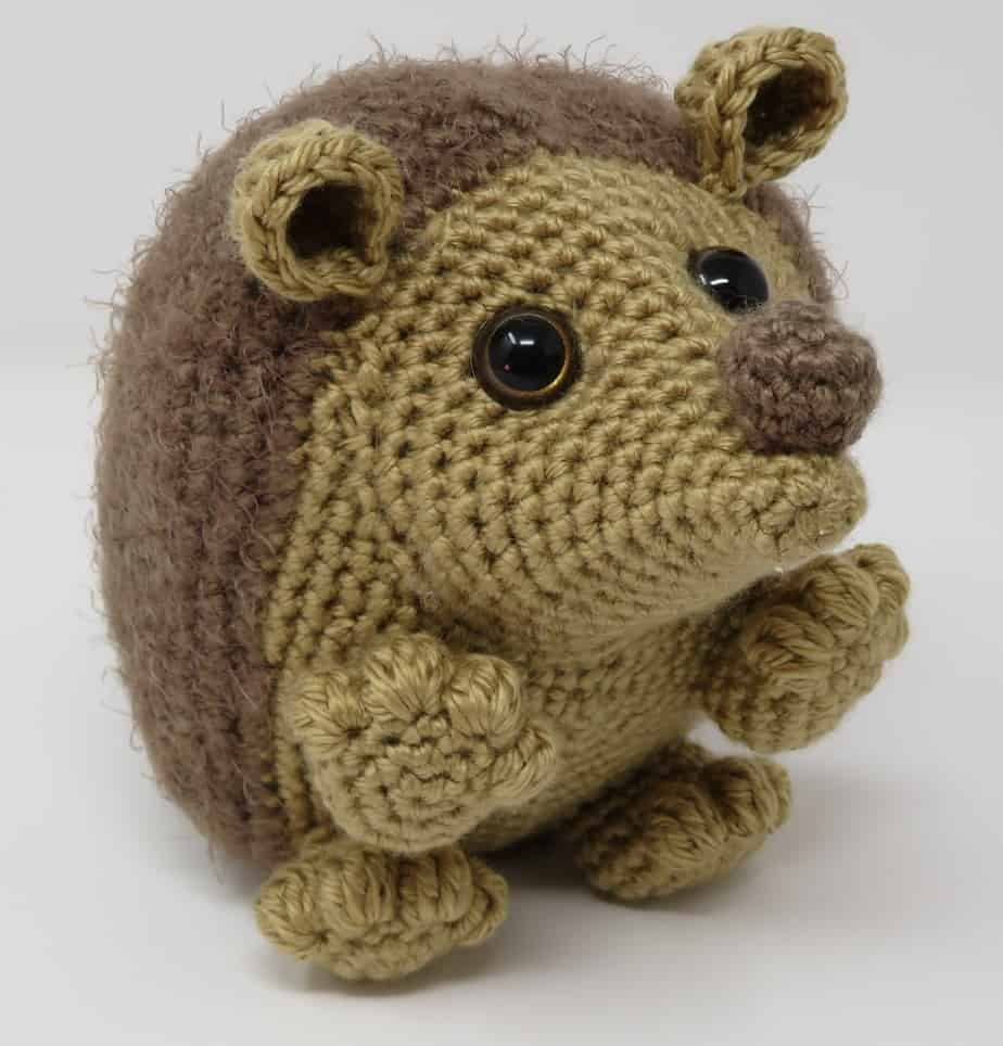 Hygge Hedgehog free amigurumi crochet pattern, by Hooked by Kati for Underground Crafter