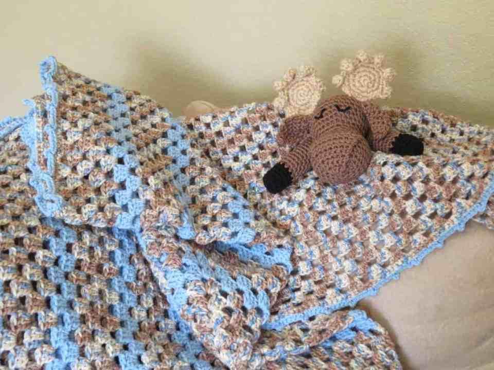 Moose Lovey baby blanket amigurumi free crochet pattern | Hooked by Kati