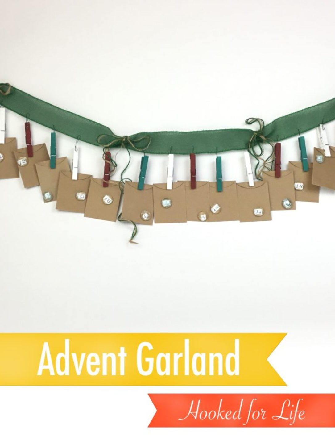 Free craft pattern, Advent Garland, using Plaid Folk Art paint and supplies from Dollar Tree! An inexpensive way to start an adorable family tradition! #diy #Christmas #craft