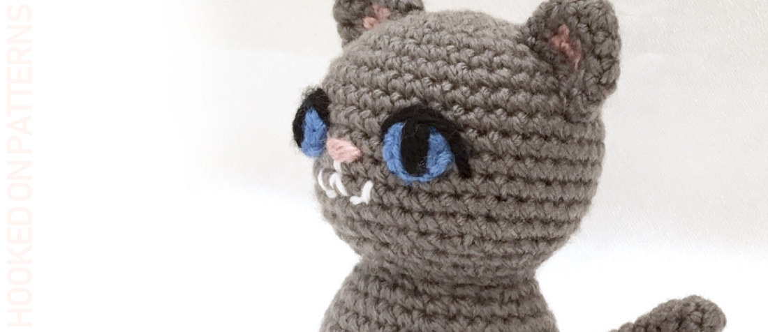 Free Playing Cats Crochet Amigurumi Pattern - Little Bear Crochets | 476x1100