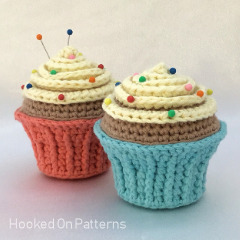 Free Cupcake Pincushion Crochet Pattern