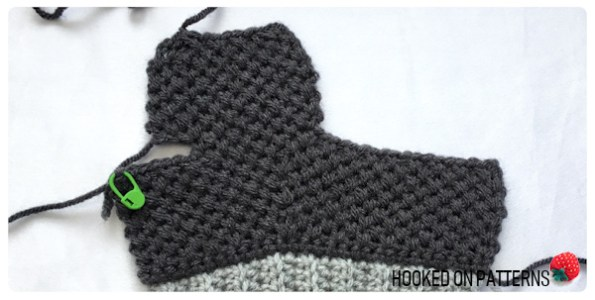 Thick & Cosy Mittens Free Crochet Pattern - Thumb Section