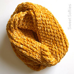Gold Luxe Cowl Free Crochet Pattern