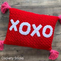 XOXO Pillow Free Crochet Pattern