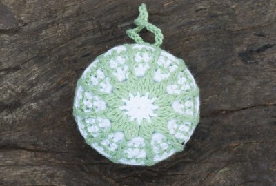 bauble-green