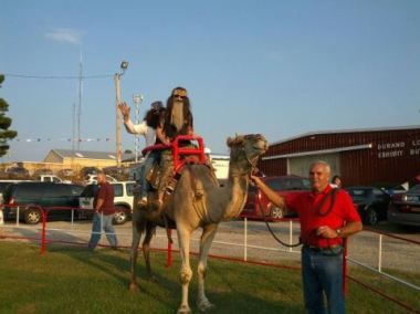 beardedfolks-on-camel
