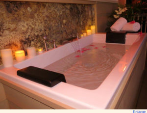 cottage_soakingtub1