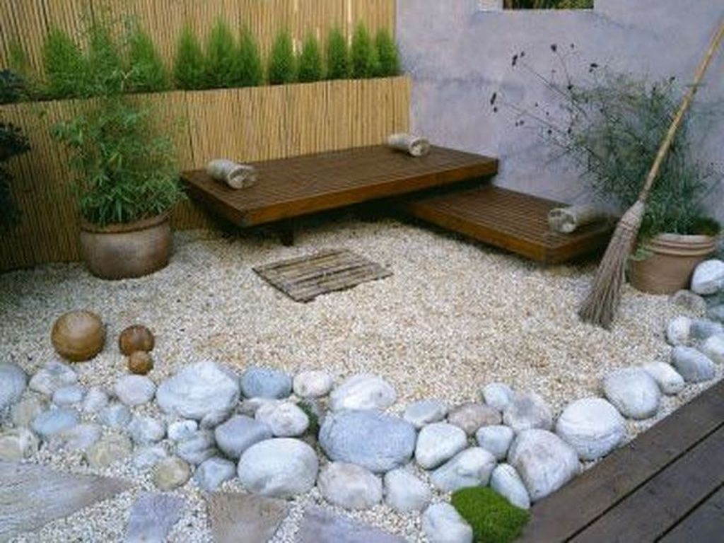 Beautiful Modern Rock Garden Ideas For Backyard Landscaping 04
