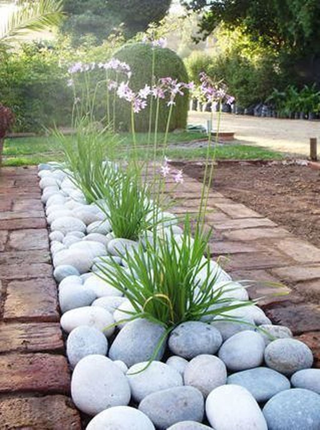 Beautiful Modern Rock Garden Ideas For Backyard Landscaping 22
