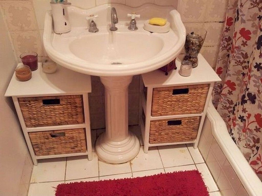 Amazing Bathroom Storage Design Ideas For Small Space 16