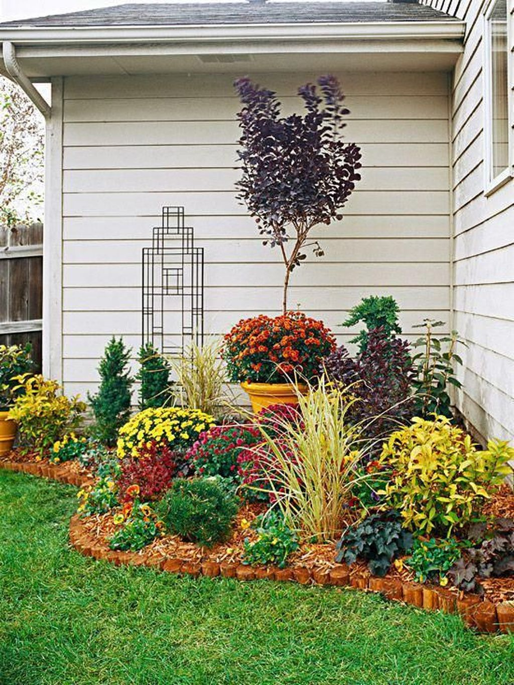 Awesome Backyard Landscaping Ideas With Elegant Accent 04