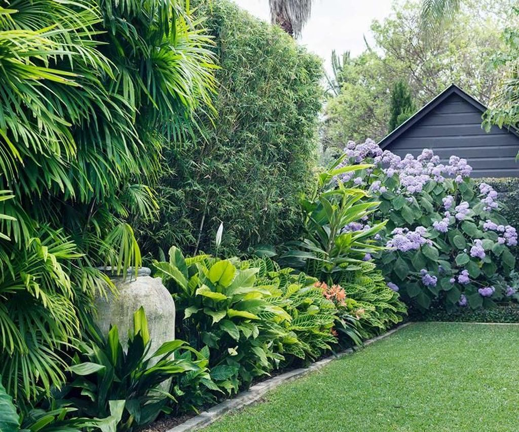 Awesome Backyard Landscaping Ideas With Elegant Accent 06
