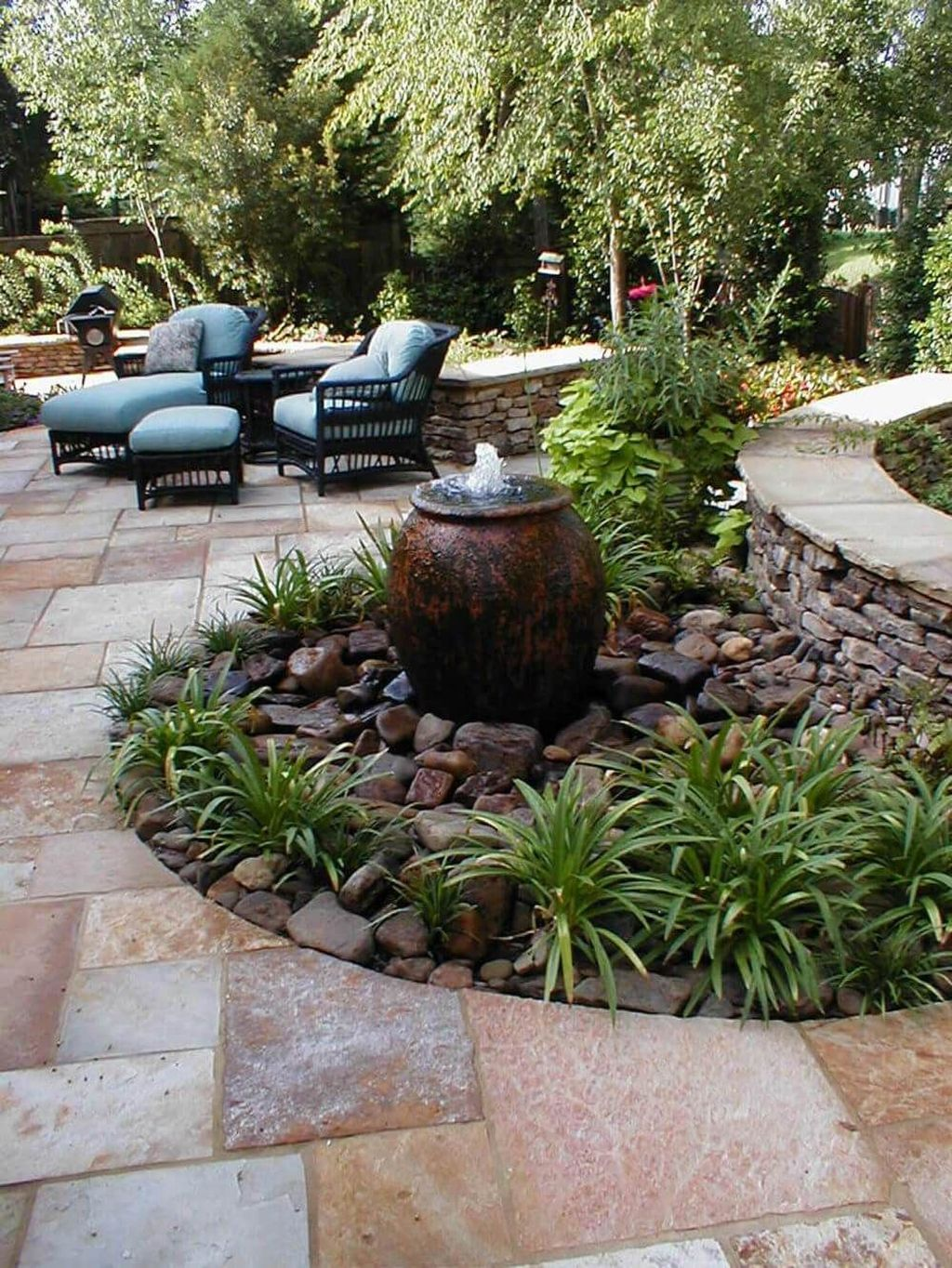 Awesome Backyard Landscaping Ideas With Elegant Accent 07