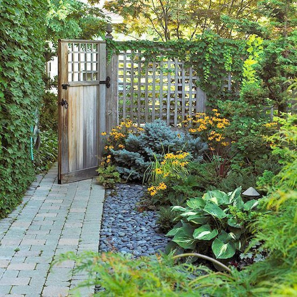 Awesome Backyard Landscaping Ideas With Elegant Accent 23