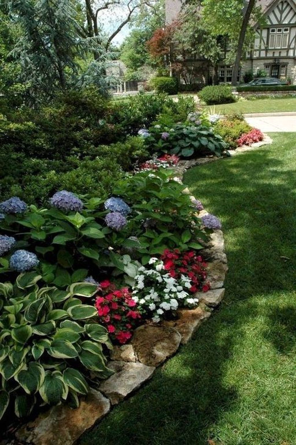 Awesome Backyard Landscaping Ideas With Elegant Accent 36