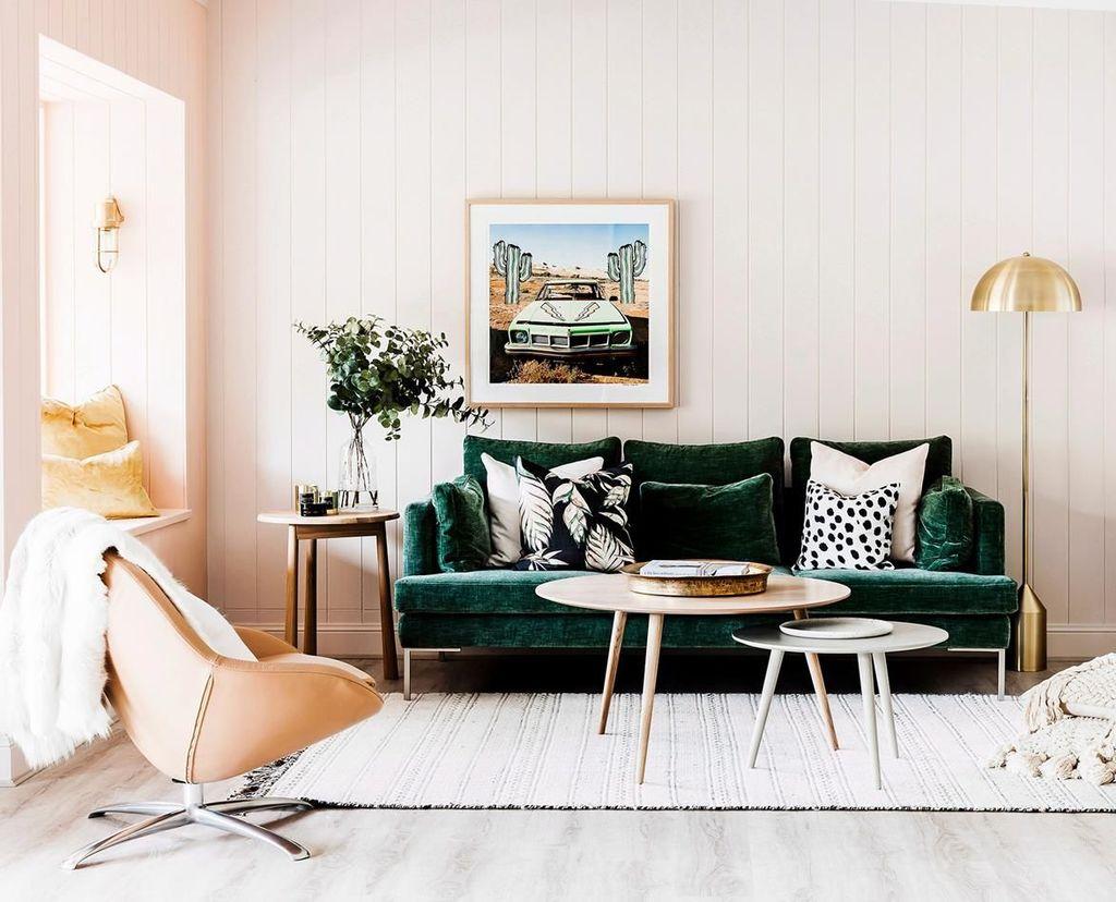 Beautiful Pink Living Room Decor Ideas 04