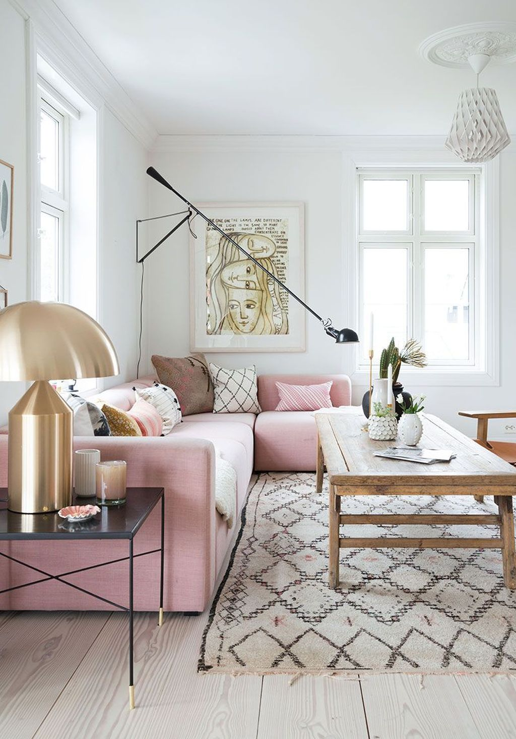 Beautiful Pink Living Room Decor Ideas 16