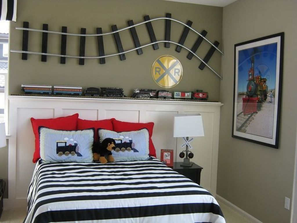 Cozy Boys Bedroom Decorating Ideas 24