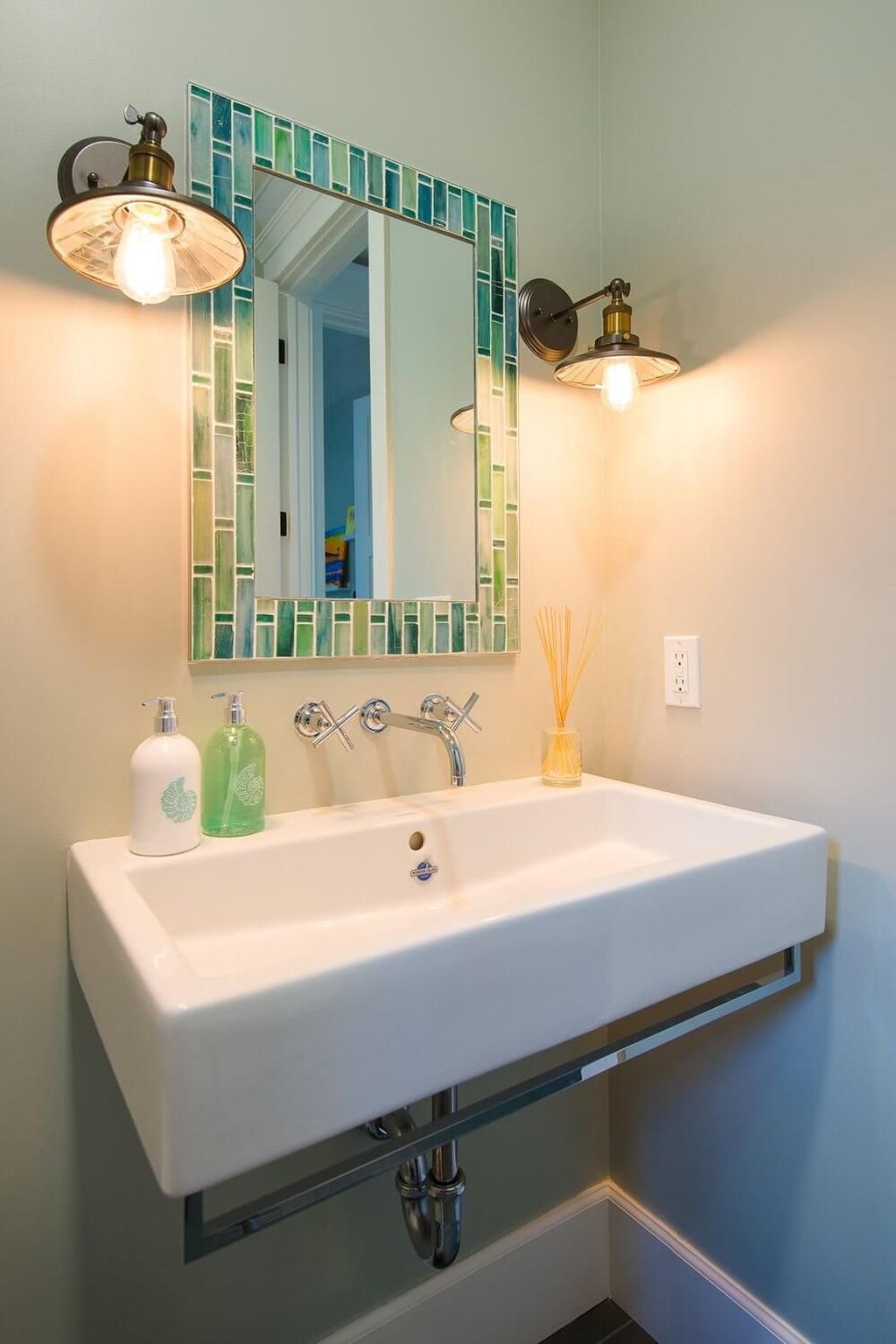 Fabulous Bathroom Decor Ideas With Coastal Style 03
