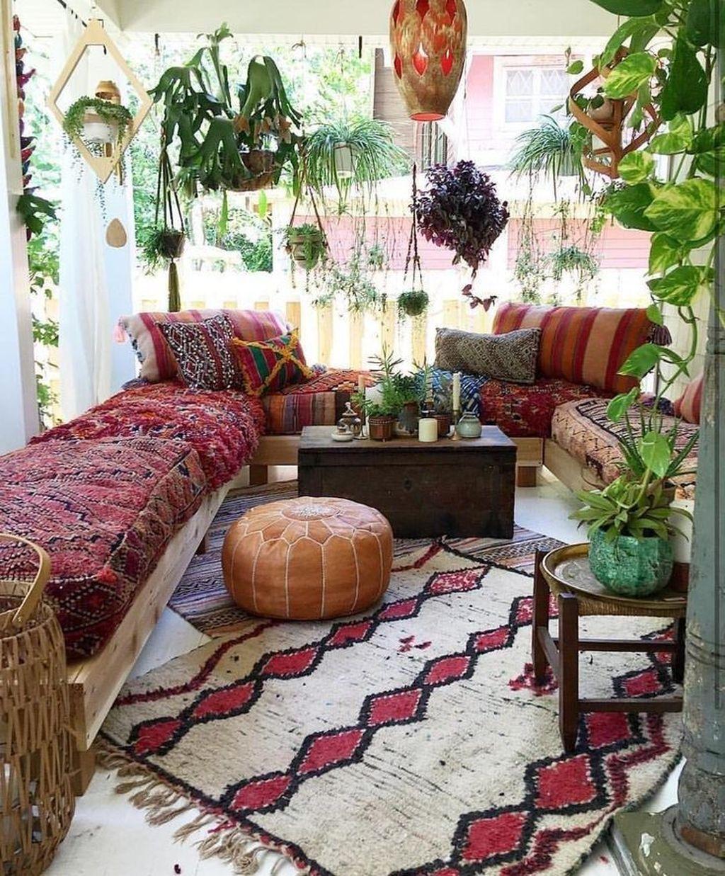 Fabulous Bohemian Living Room Decorating Ideas 20