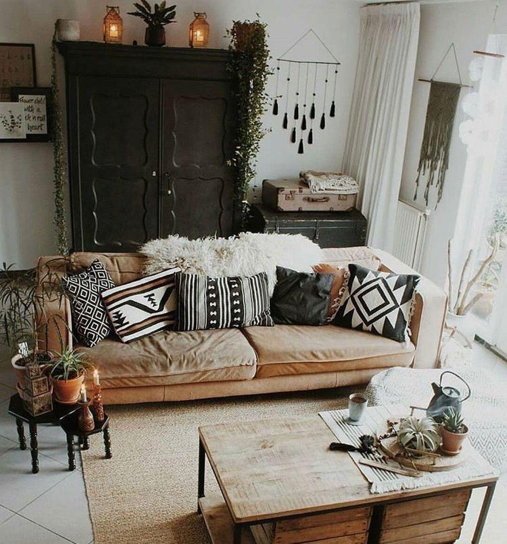 Fabulous Bohemian Living Room Decorating Ideas 30