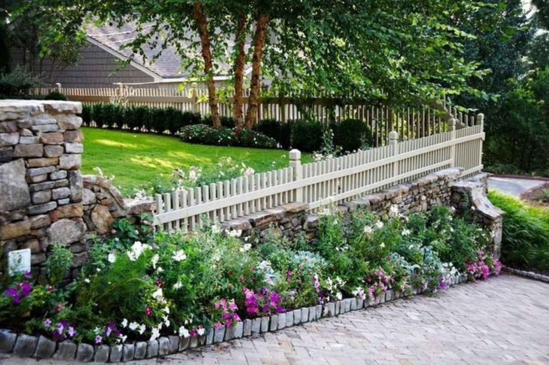 Inspiring Front Yard Fence Design Ideas 24