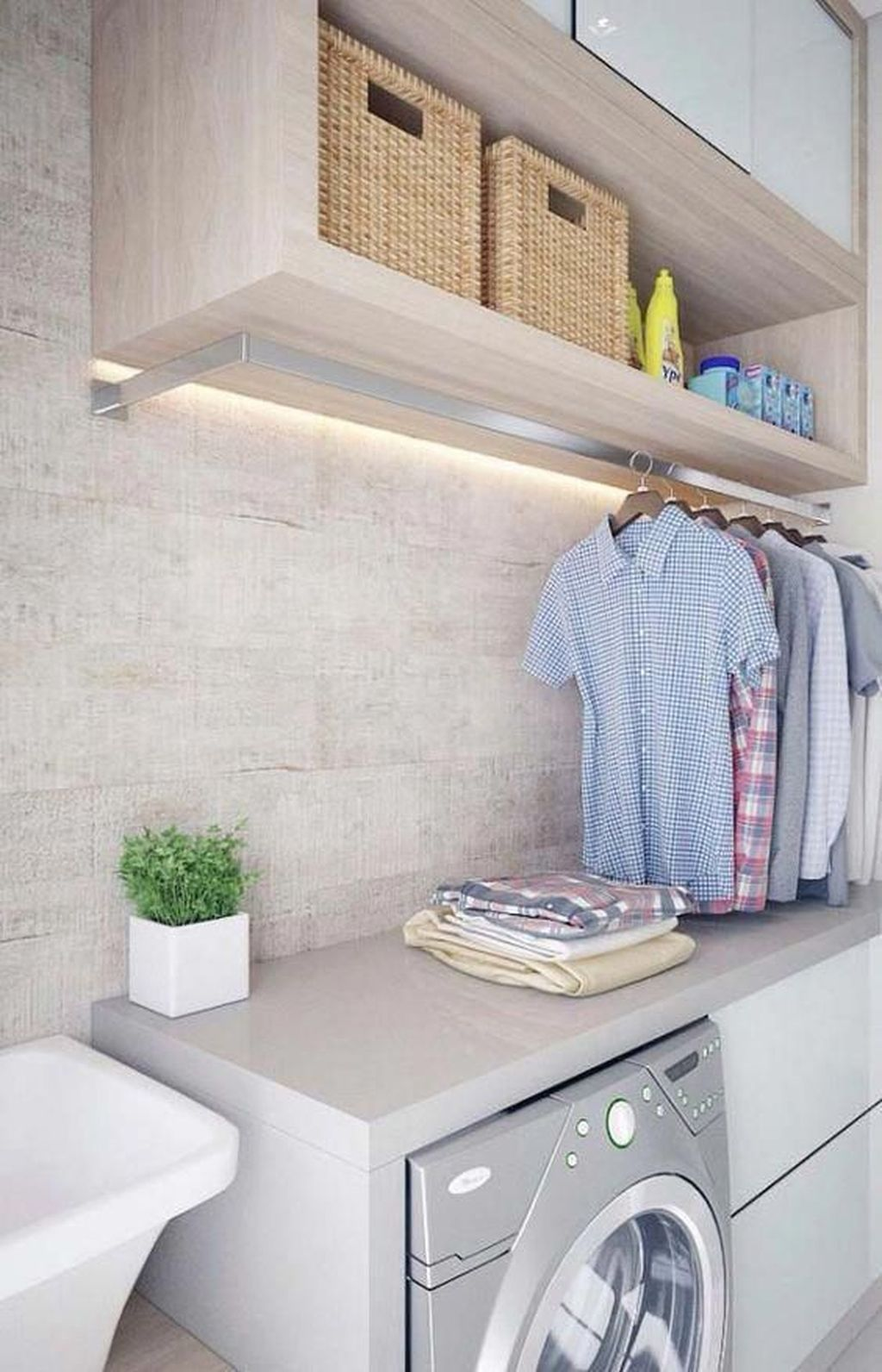 Inspiring Small Laundry Room Design And Decor Ideas 05