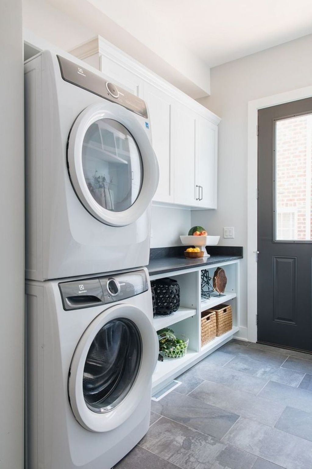 Inspiring Small Laundry Room Design And Decor Ideas 19