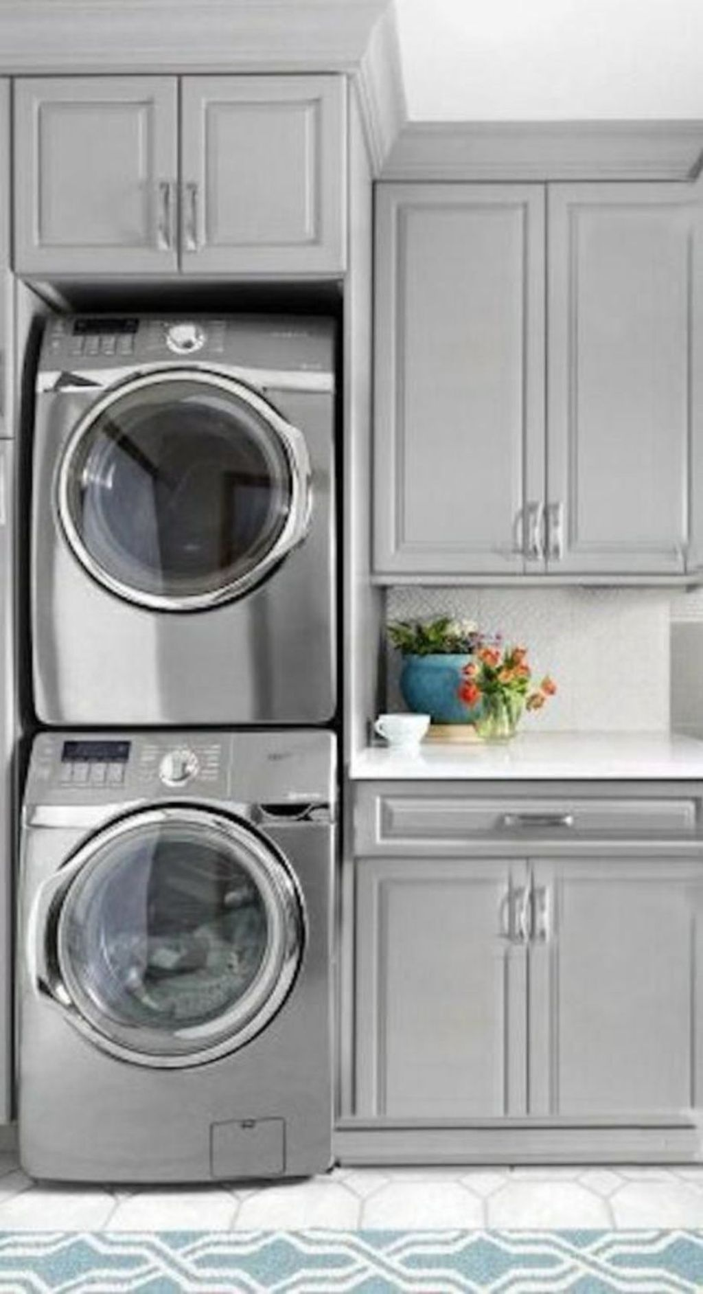 Inspiring Small Laundry Room Design And Decor Ideas 32