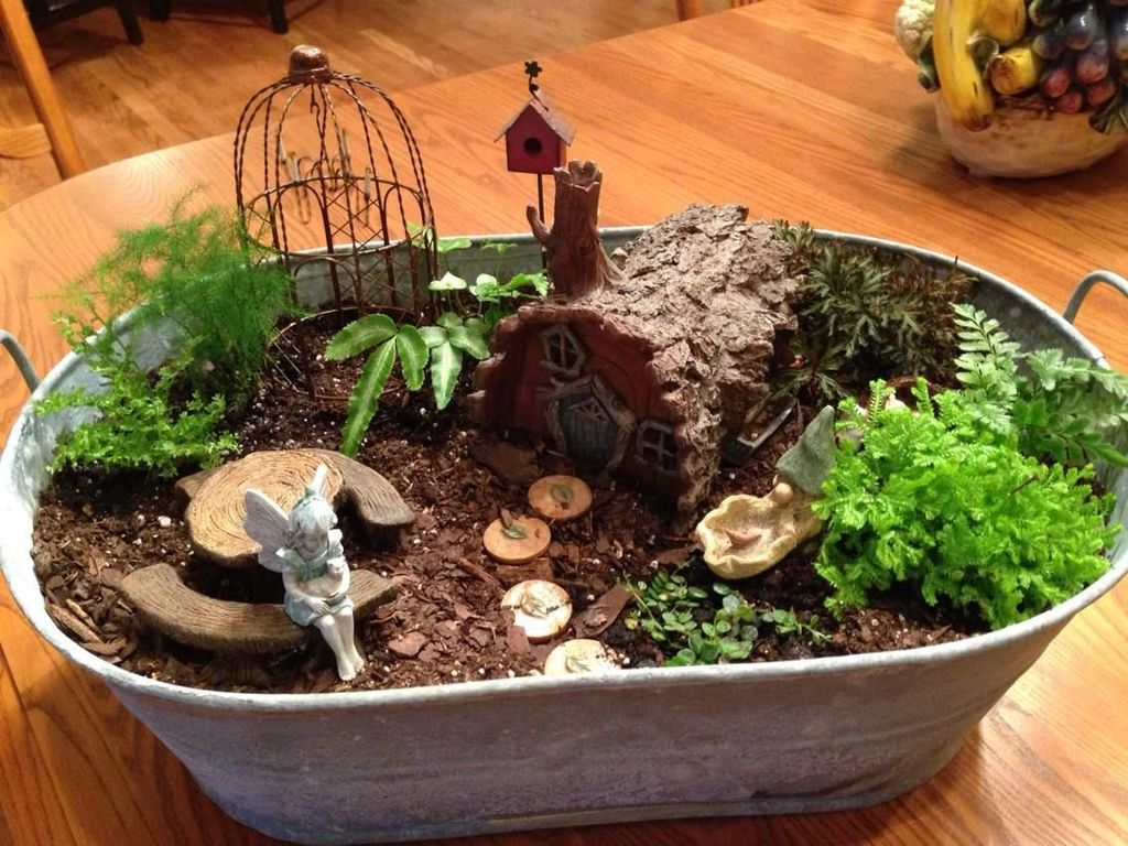 Lovely Beautiful Fairy Garden Design Ideas 15