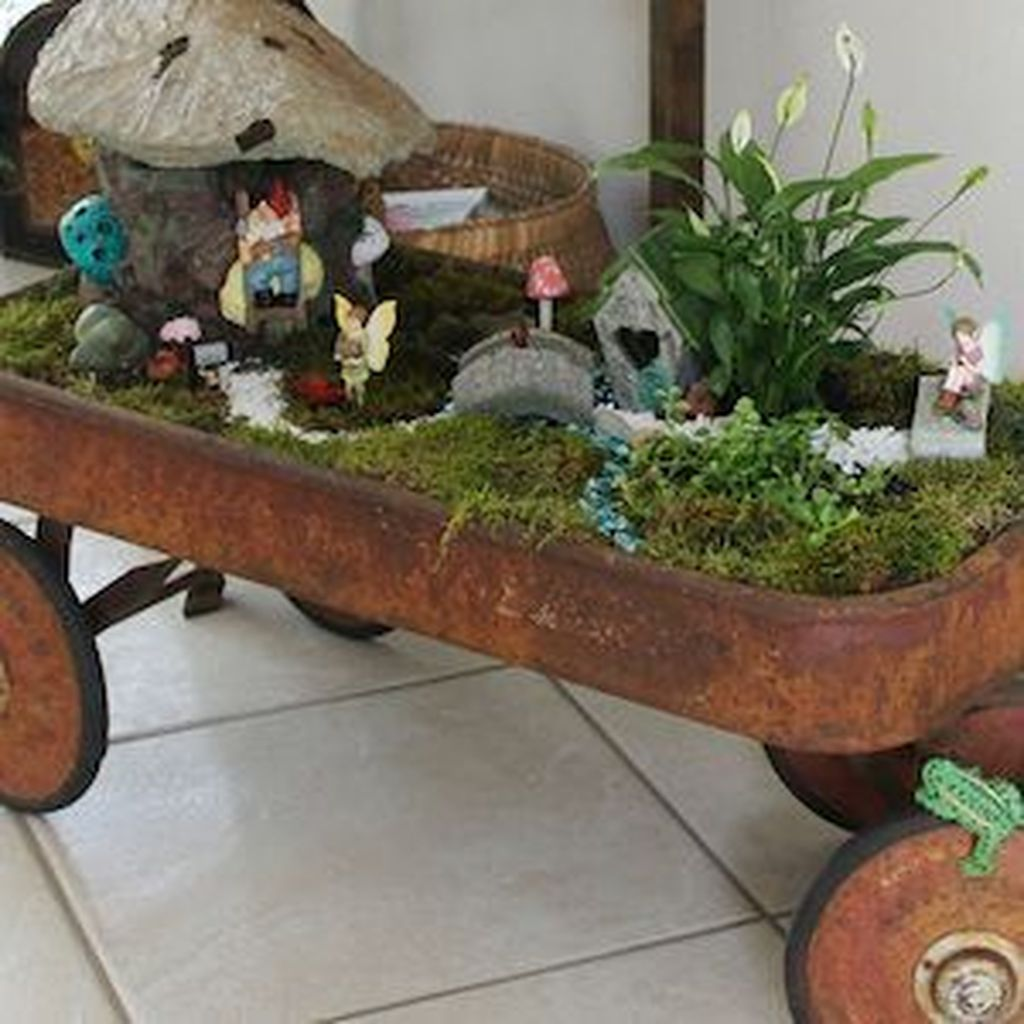 Lovely Beautiful Fairy Garden Design Ideas 21