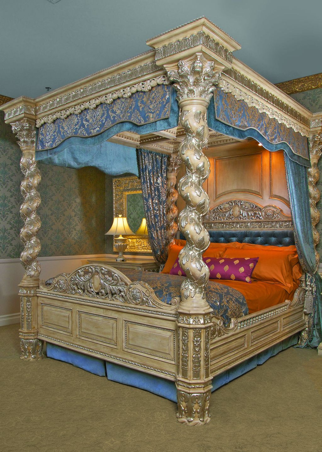 Lovely Romantic Canopy Bed Design Ideas For Your Bedroom 04