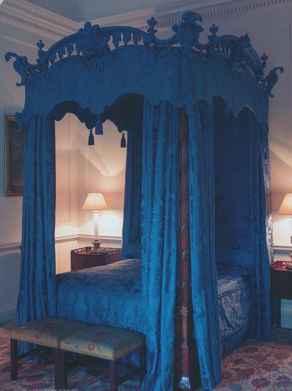 Lovely Romantic Canopy Bed Design Ideas For Your Bedroom 24
